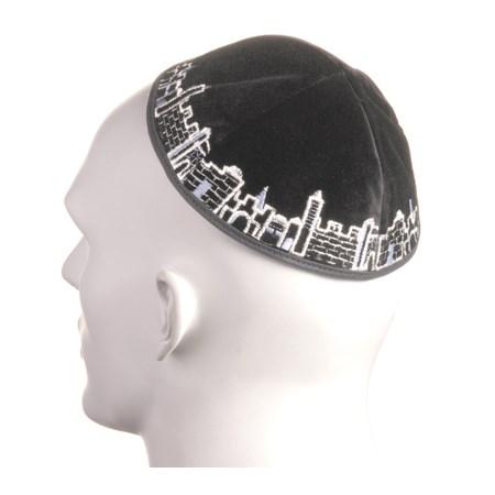 Kipá de Veludo Preta Jerusalém - com bordado em prateado e azul